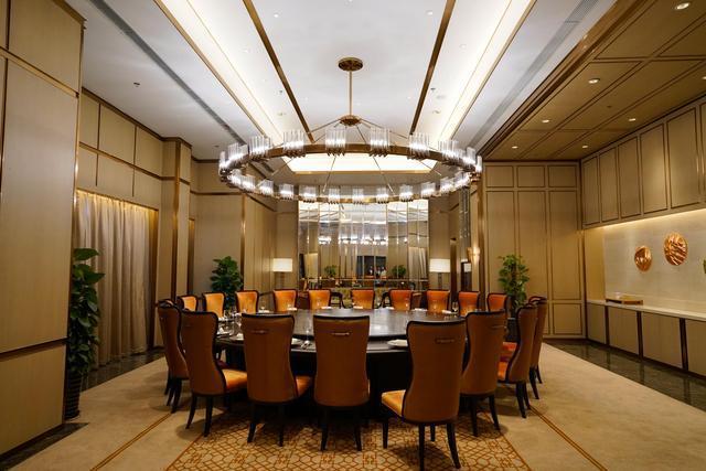 上海|上海红塔豪华精选酒店:这里有粤式煲仔饭,也有上海糖糕