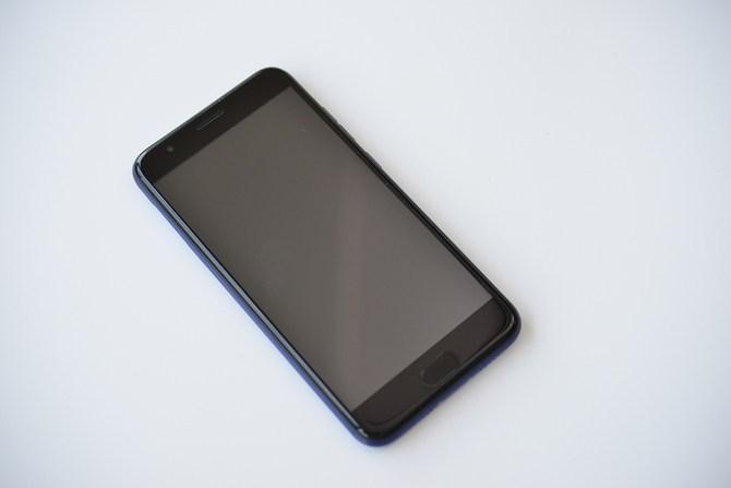 """我们在拼多多买了一台""""魅族""""手机 花了3小时才证明它假在哪的照片 - 4"""