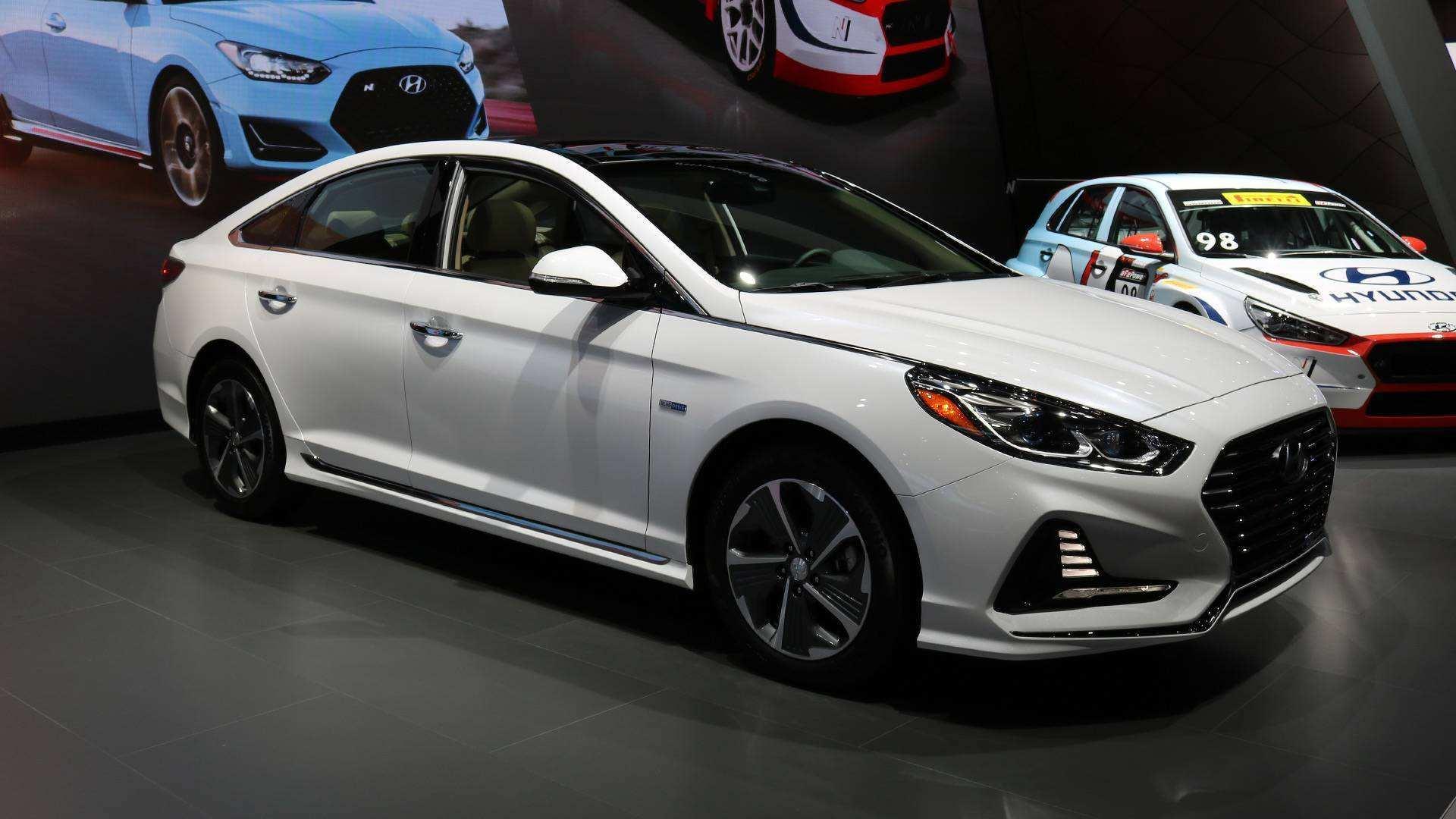 再过两天这款车正式开售!新车比奔驰C都漂亮,预售16.98万!