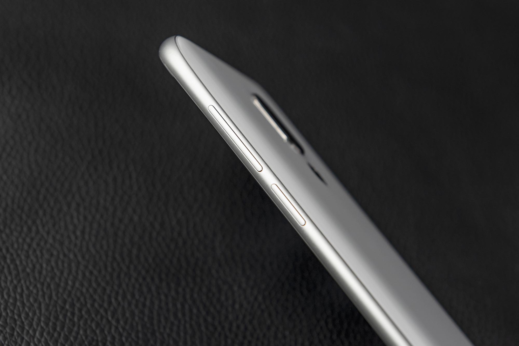 魅族16开箱图赏:3D四曲面玻璃机身 屏占比高达91.18%的照片 - 4