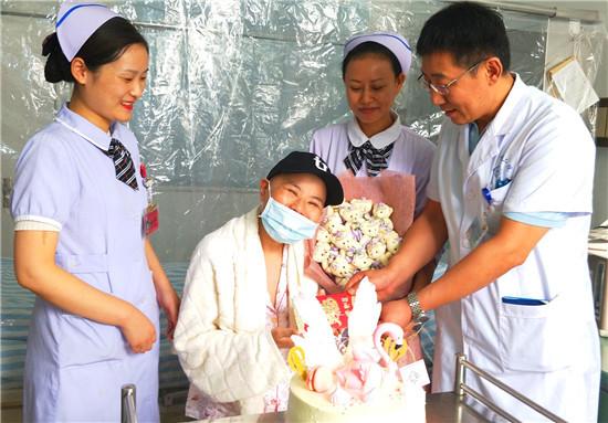 淮安市二院成功救治一例特殊白血病患者造血干细胞再次移植重获新生