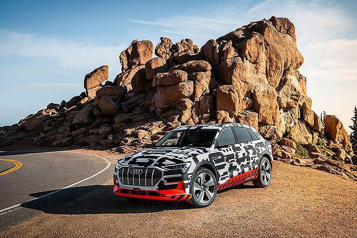 预计2018年8月底就会发表的奥迪首款纯电动车e-tron SUV