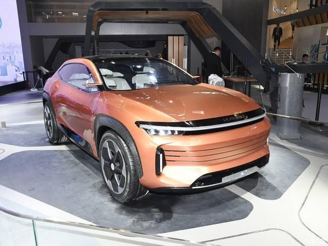这款SUV不足10万元,配无框玻璃和对开门设计,比瑞虎8更亮眼