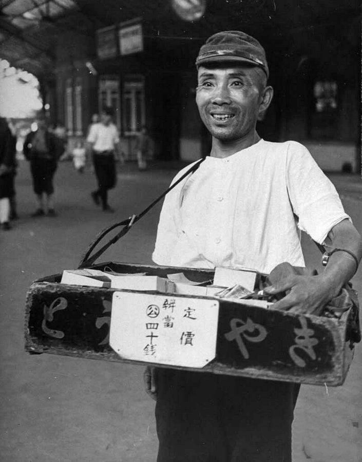 日本退伍老兵的战后生活,为何沦落街头乞讨?(图4)