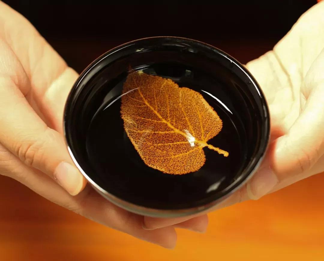艺术 | 1280℃,树叶可以变成黄金?