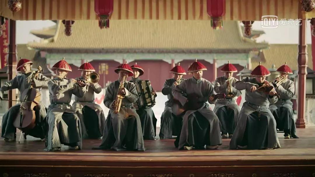 """康熙沉迷小提琴、路易十四爱高跟鞋,男人""""骚""""起来是要载入史册的(图12)"""