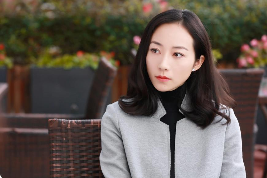 旗袍风验颜值,韩雪清冷刘亦菲高贵,年纪最大的她最好看