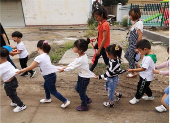情系中秋节爱驻敬老院__――未来之星幼儿园特别活动