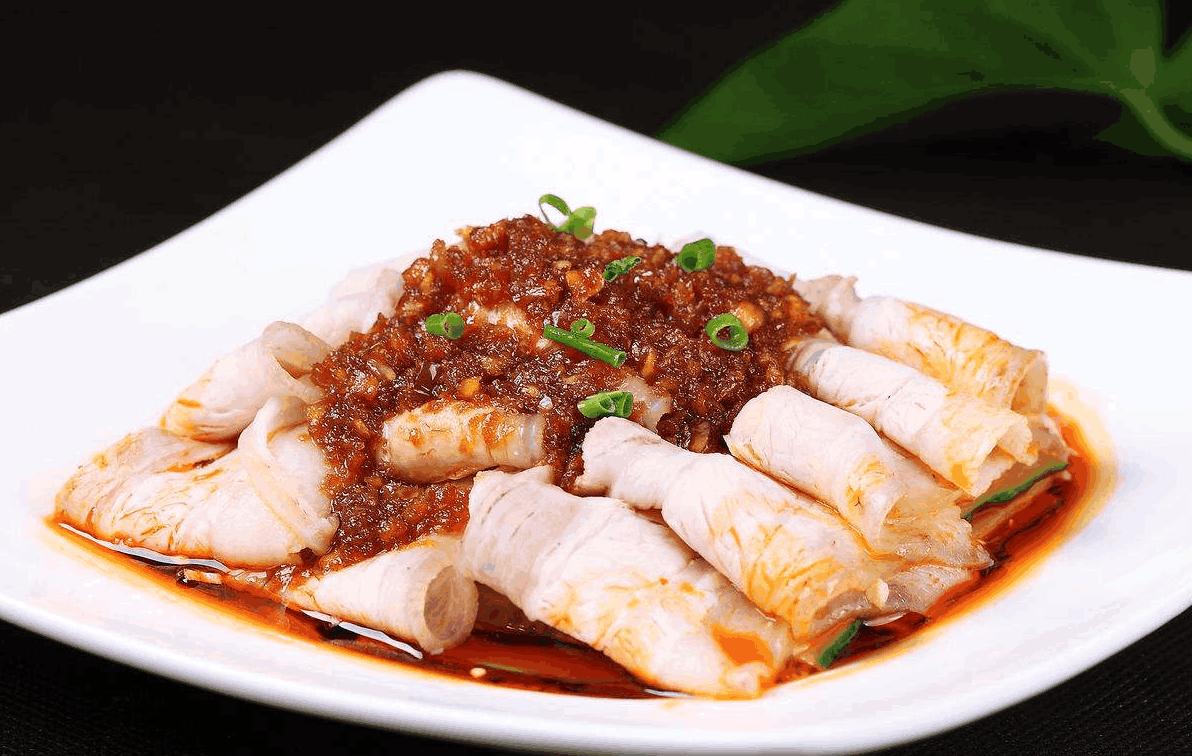 """美食大廚教你:""""蒜泥白肉""""的家常做法,蒜味濃厚,香味直撲鼻端"""
