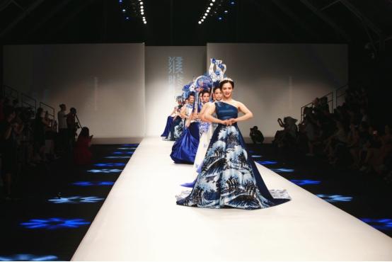 2018中国濮院时尚周《东方华服•濮院绽放》旗袍盛典