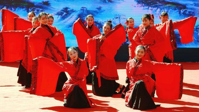 国庆 园庆 歌舞同庆:宁阳复圣文化旅游区举行文艺汇演