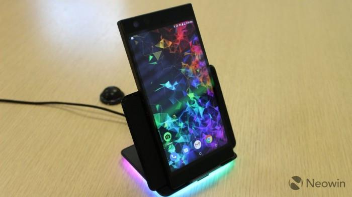 Razer Phone 2发布:背面Chroma幻彩灯 正面120Hz屏幕的照片 - 9