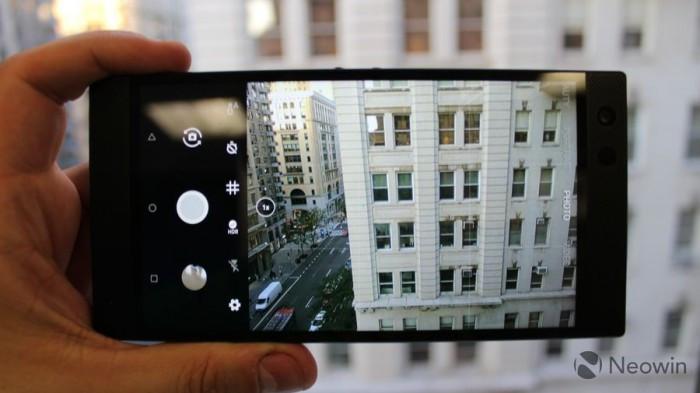 Razer Phone 2发布:背面Chroma幻彩灯 正面120Hz屏幕的照片 - 19