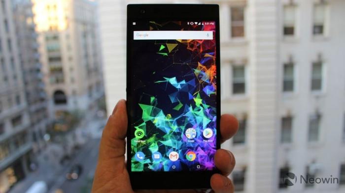 Razer Phone 2发布:背面Chroma幻彩灯 正面120Hz屏幕的照片 - 2
