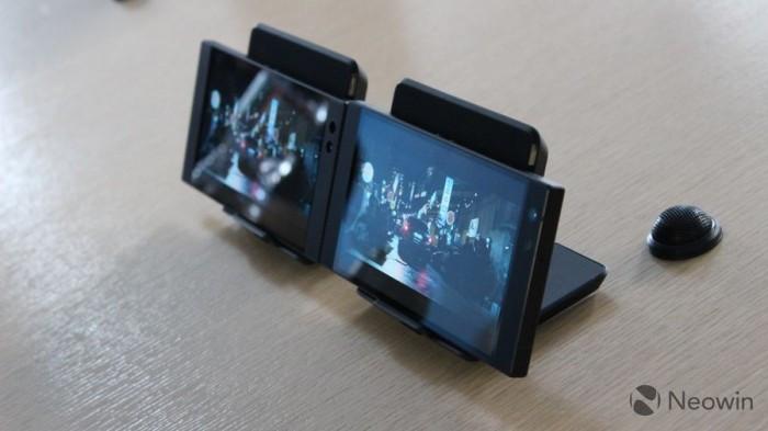 Razer Phone 2发布:背面Chroma幻彩灯 正面120Hz屏幕的照片 - 5