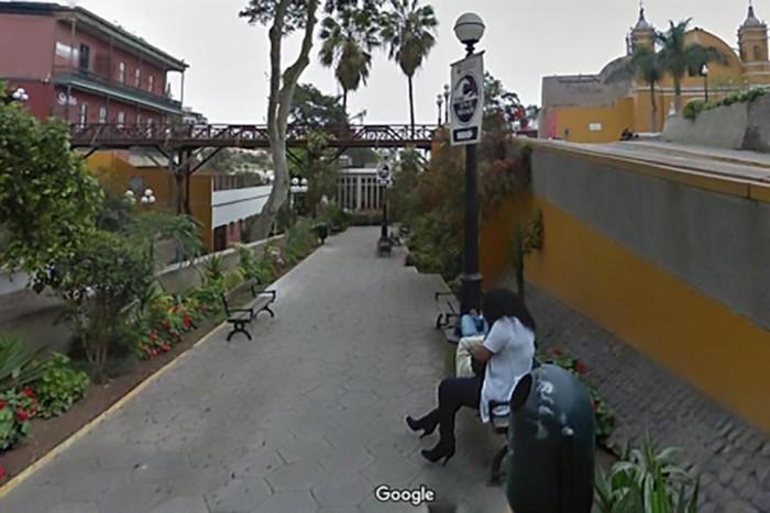 男子上谷歌街景服务意外发现自己被绿五年多的照片 - 3