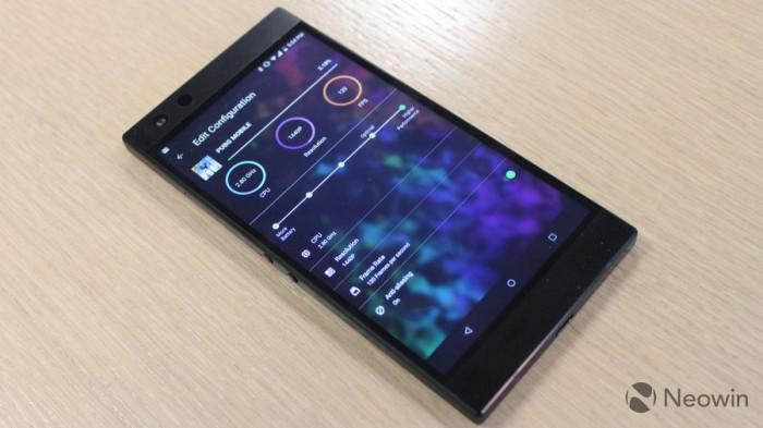 Razer Phone 2发布:背面Chroma幻彩灯 正面120Hz屏幕的照片 - 23