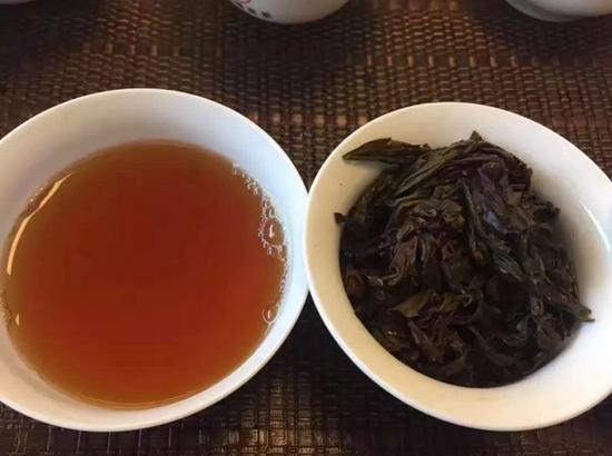 一带一路中的茶道与倒茶