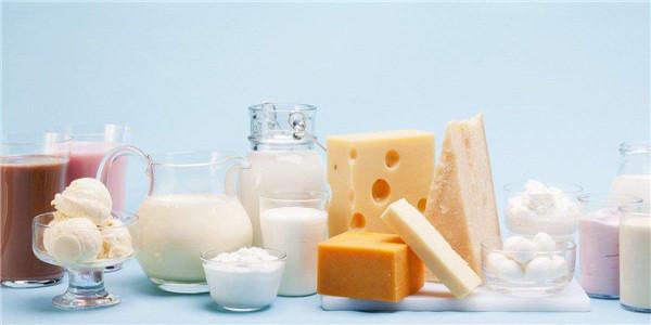 解密奶制品 | 牛奶能喝也能吃,一家老少都能用的《喝奶指南》來了!