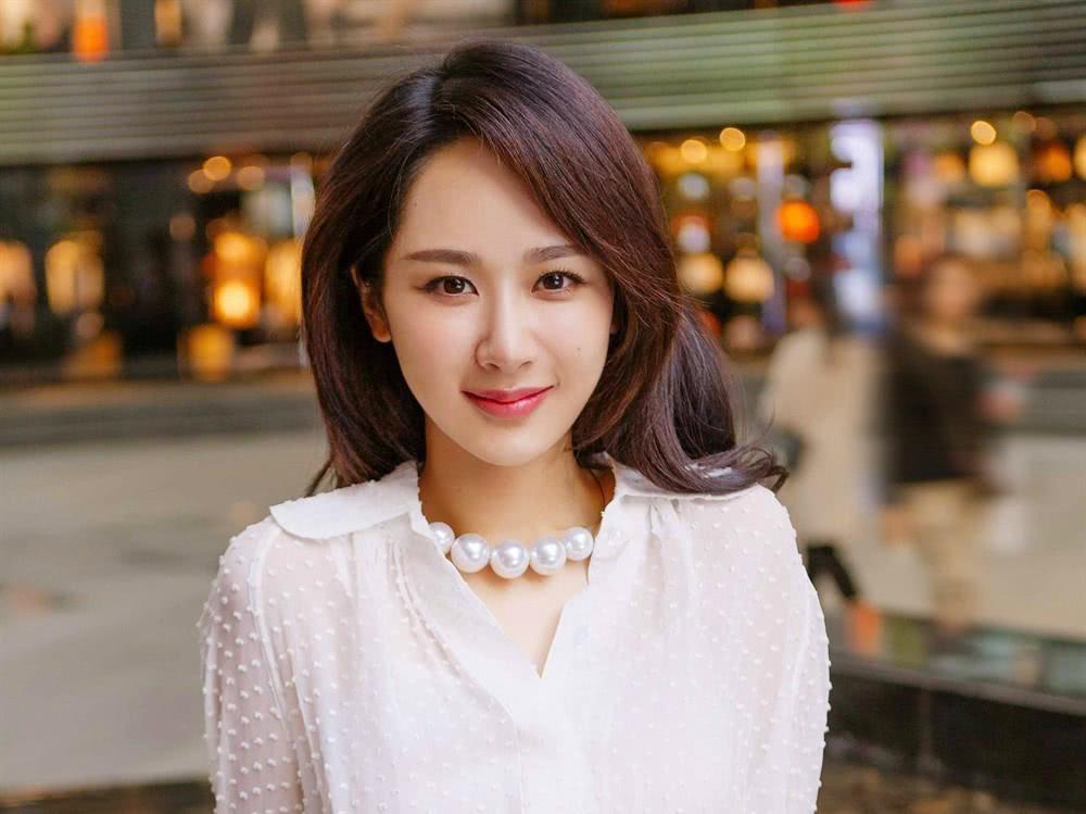 张雪迎蹭赵丽颖热度,杨紫粉丝却被骂没素质,最佳背锅奖归杨紫!