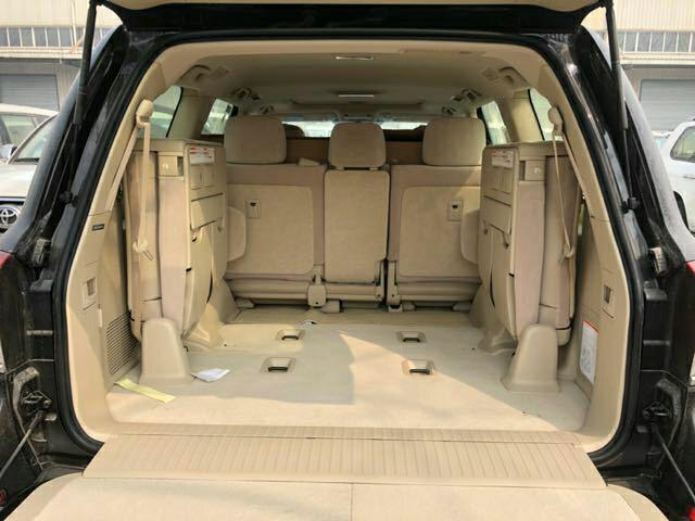 4600中东V8纯进口配置解析兰德酷路泽46现车价格表