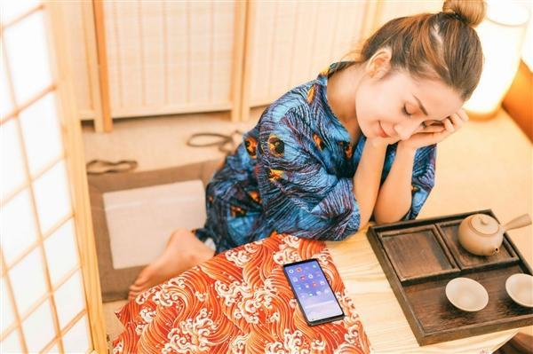 魅族Note 8官方图赏:黑蓝紫红四色齐飞的照片 - 17