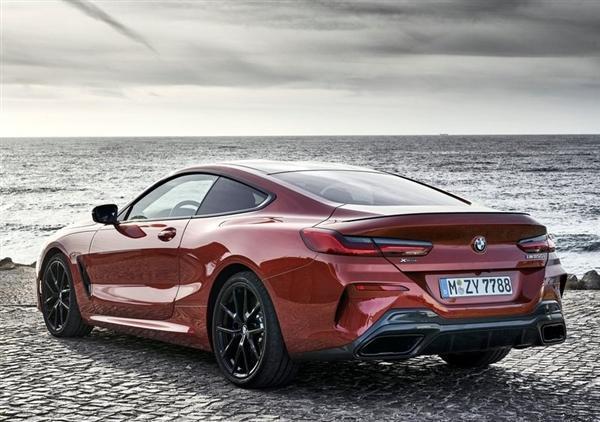宝马8系Coupe 11月开售 双门跑车设计 搭载4.4T V8引擎的照片 - 2