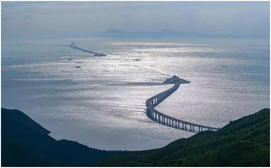 港珠澳大桥背后的男人:他成就了中国