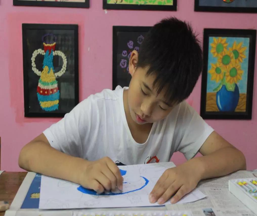 北京14岁冯克己完成《西游记》《三国演义》绘画本引发广泛关注