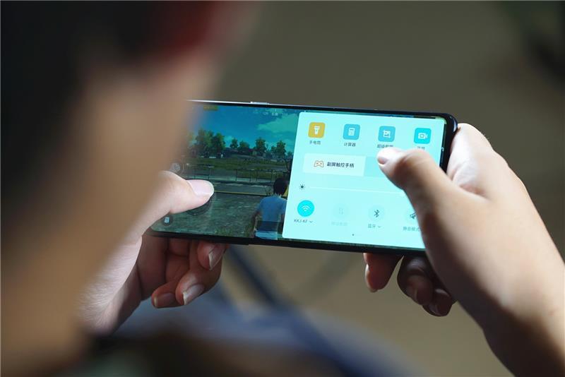 努比亚X首发评测:双屏+双侧边指纹的照片 - 20