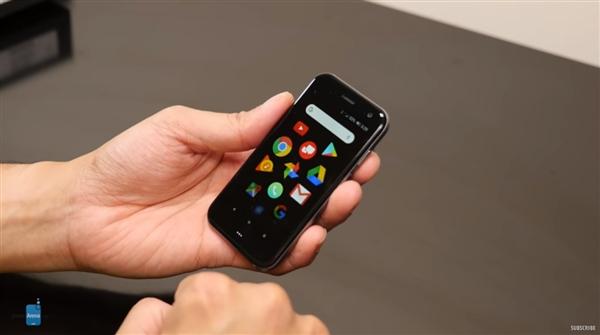 3.3英寸小屏手机Palm开箱上手:无比小巧的照片 - 1