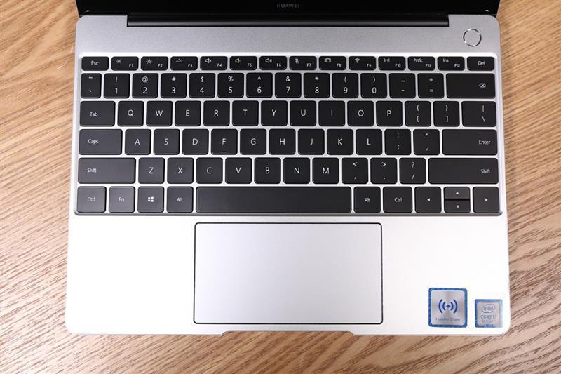 华为 MateBook 13首发评测:13寸最强性能轻薄本!的照片 - 9
