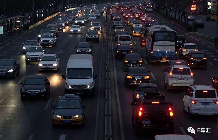 新能源续航成难题 高速行驶竟然最费电?