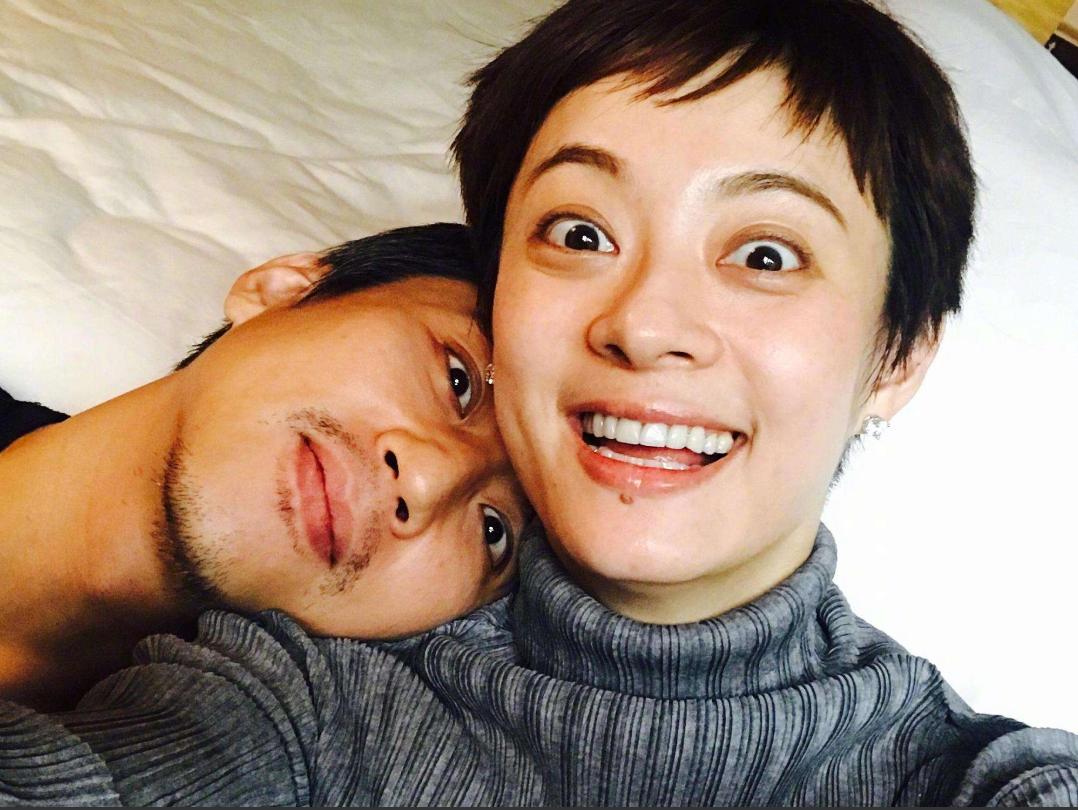 鄧超孫儷為兒子慶生,臉被親到變形,網友表示每年都是這樣