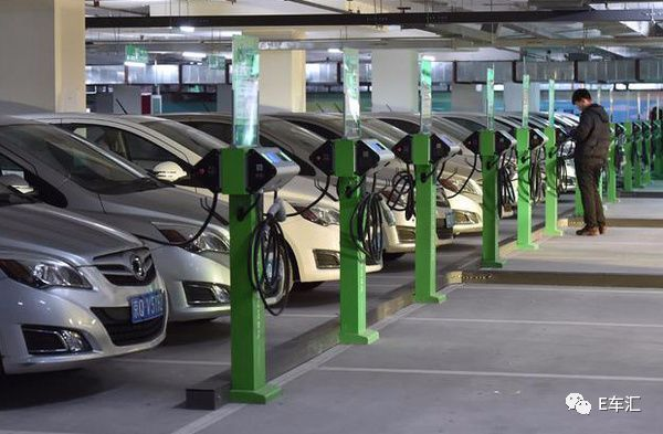 """新能源车售后存问题 消费者""""三包""""维权难度大"""