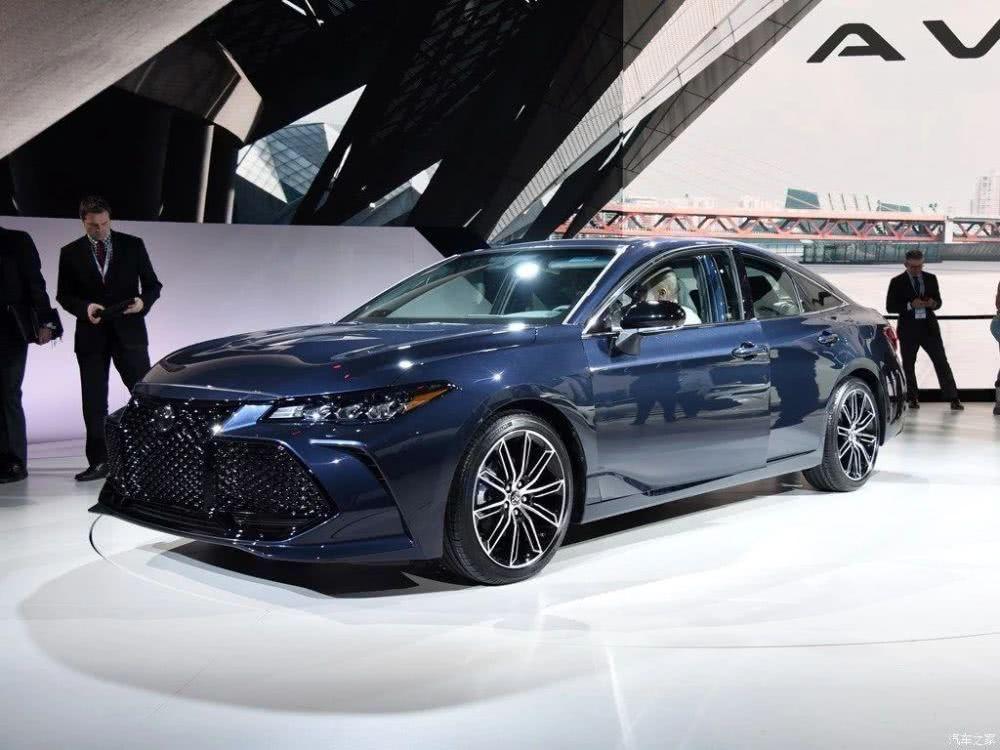 亚洲龙正式开售,配3.5L V6,不足22万,奔驰也是靠边站