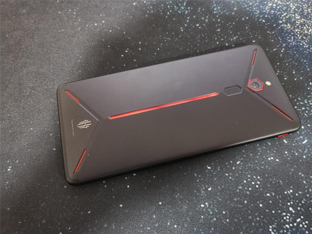 红魔Mars电竞手机评测:10G内存加持的性能怪兽的照片 - 11