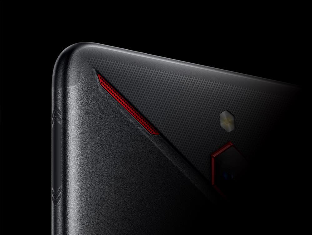 红魔Mars电竞手机评测:10G内存加持的性能怪兽的照片 - 3