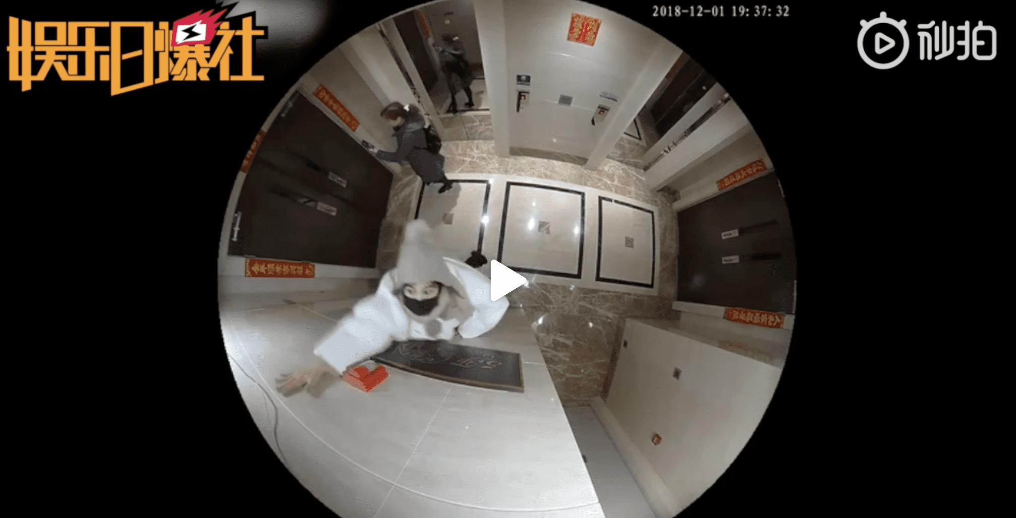 王宝强家门口监控视频曝光,马蓉几度跳起来想砸掉摄像头