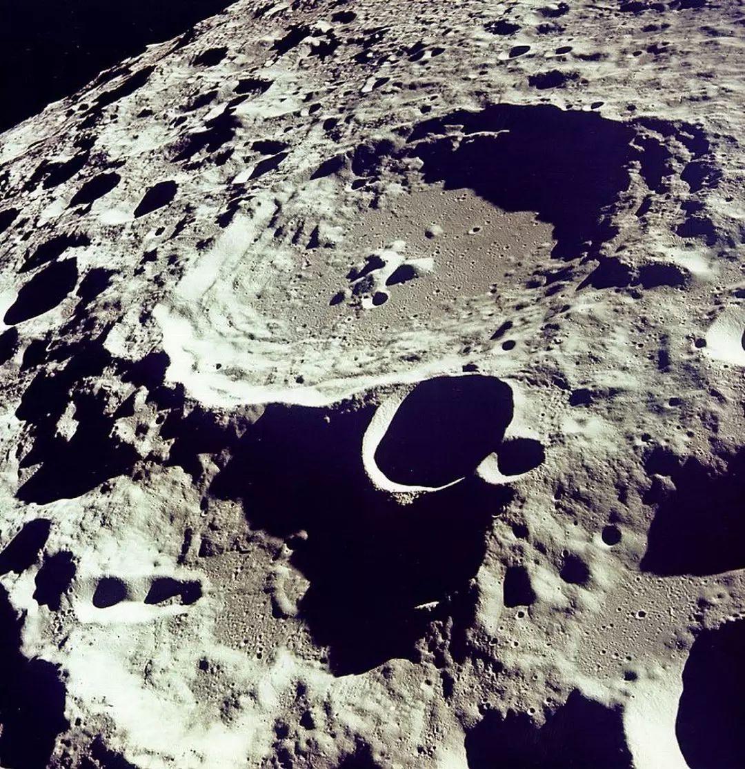 月球背面有外星人?阿波罗登月是伪造的?的照片 - 5