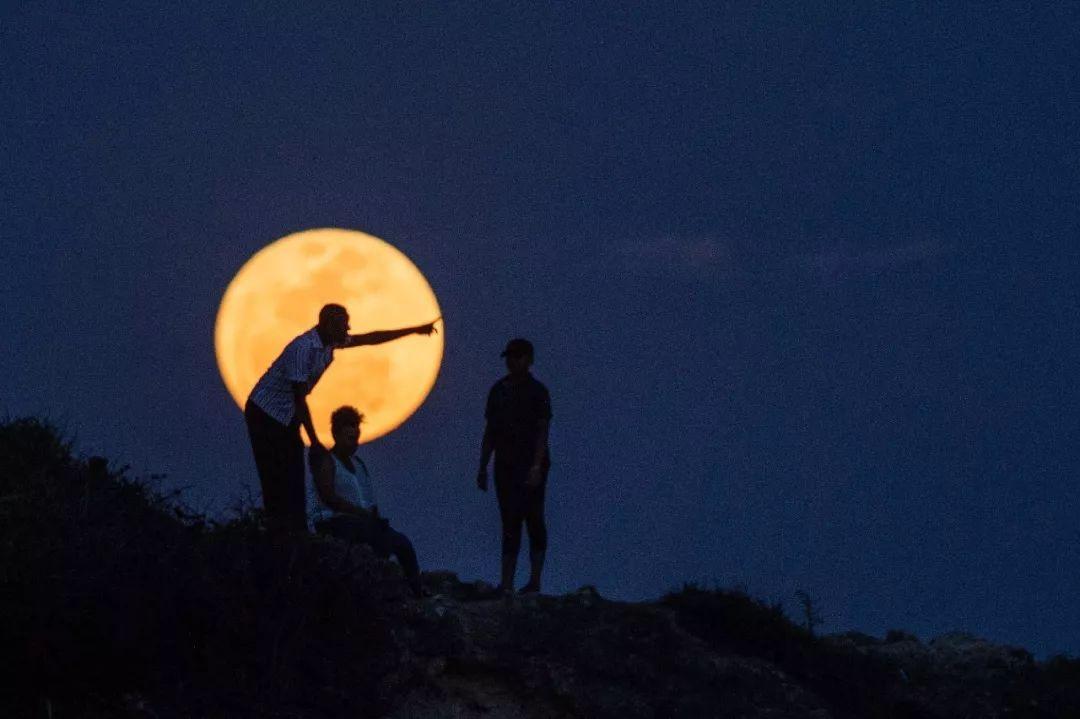 月球背面有外星人?阿波罗登月是伪造的?的照片 - 9