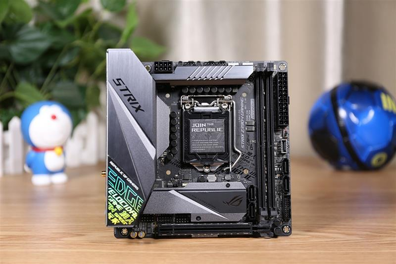 最强ITX主板!华硕ROG STRIX Z390-I GAMING评测