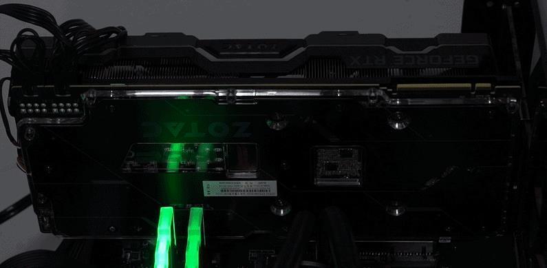 索泰RTX2080Ti 玩家力量至尊PGF OC14评测的照片 - 27