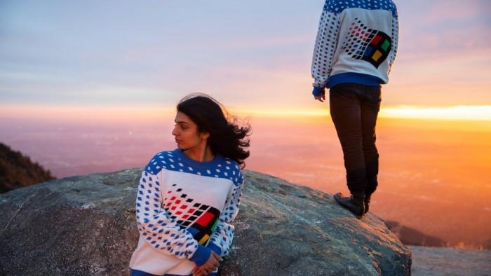 微软最新发布Win95复古风格毛衣的照片 - 3