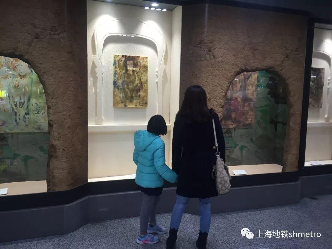 【敦煌意象】陈燮君陈颖地铁油画展作品捐赠及地铁磁卡首发仪式在上海地铁博物馆举行-雪花新闻