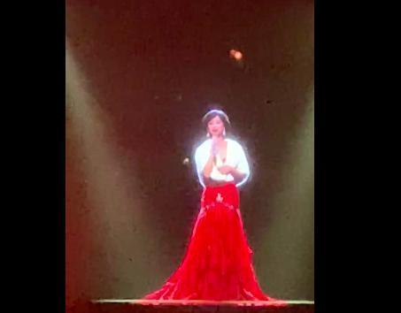 梅艳芳惊现向华强寿宴,还叫刘德华的名字的照片 - 2