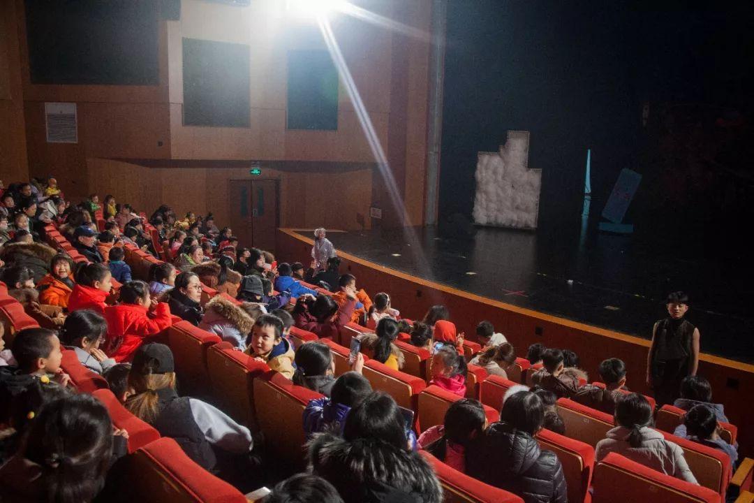 昨夜看 | 走心儿童剧《你是陌生人》,让孩子在寓教于乐中提高安全意识-雪花新闻