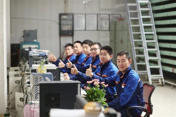 中国联通更换全新工装:小姐姐高颜值秀的照片 - 18