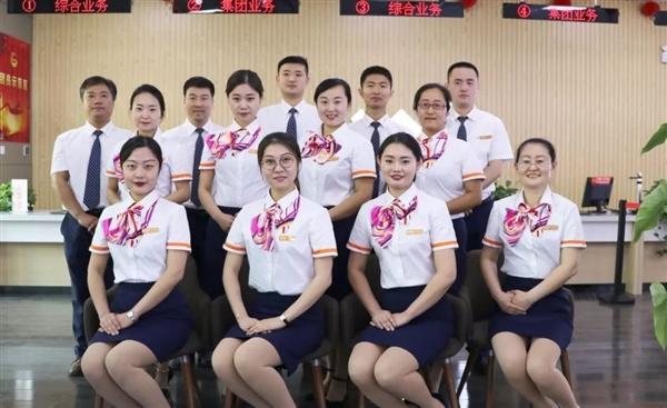 中国联通更换全新工装:小姐姐高颜值秀的照片 - 7