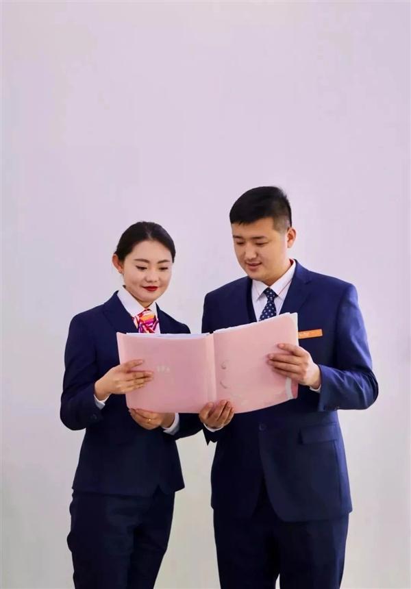 中国联通更换全新工装:小姐姐高颜值秀的照片 - 10